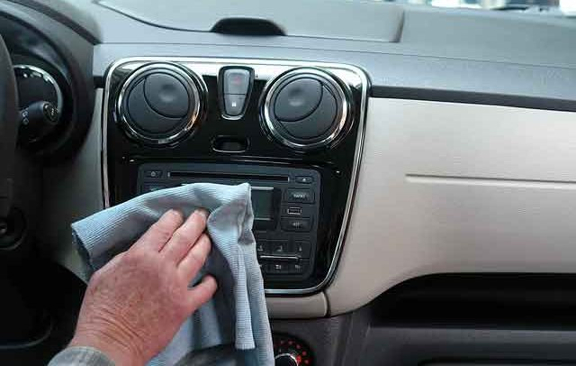 Cleaning Your Car – 4 Killer Tips to Save Time While Cleaning Cars