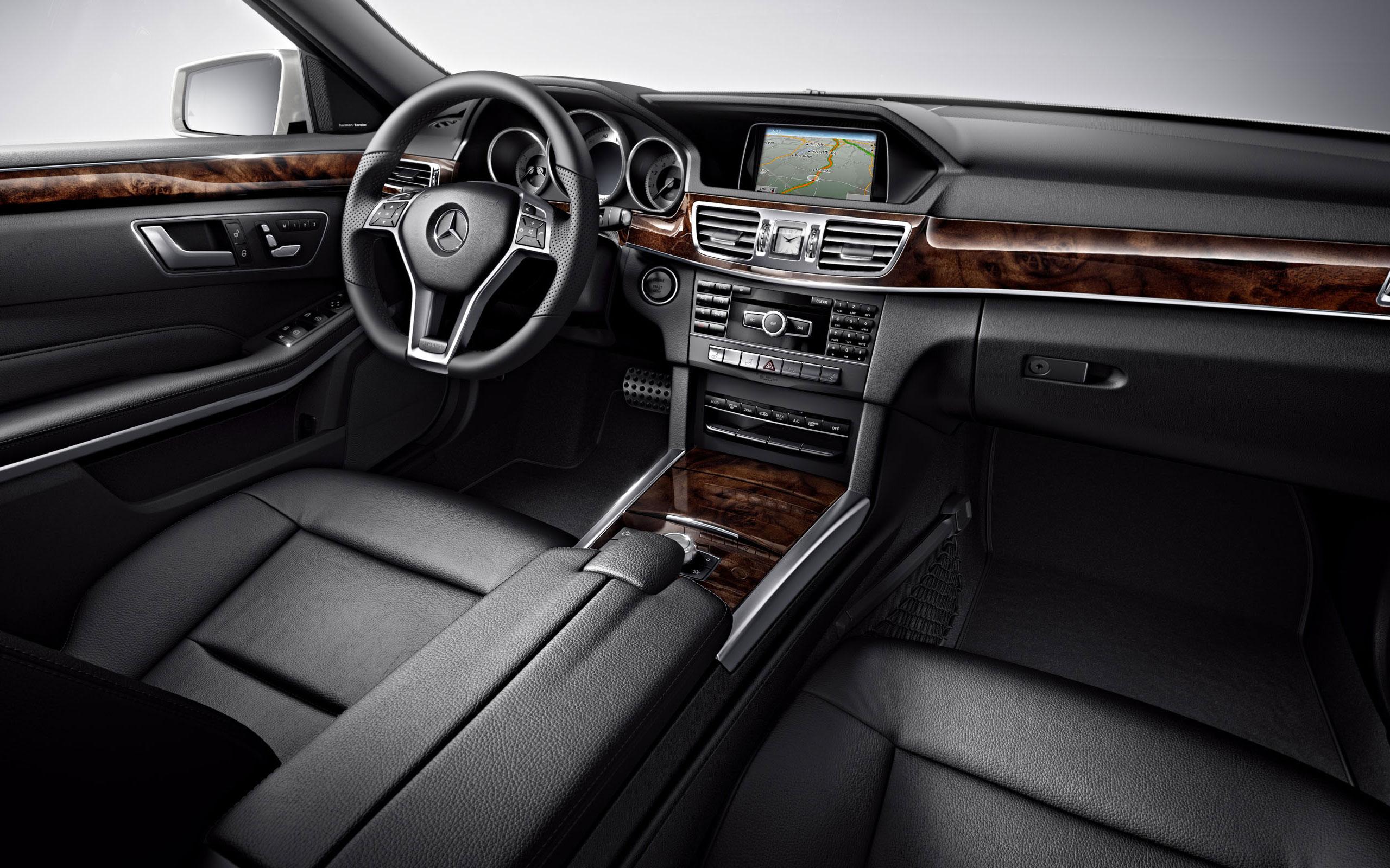 Mercedes Benz E400 Hybrid Sedan 9