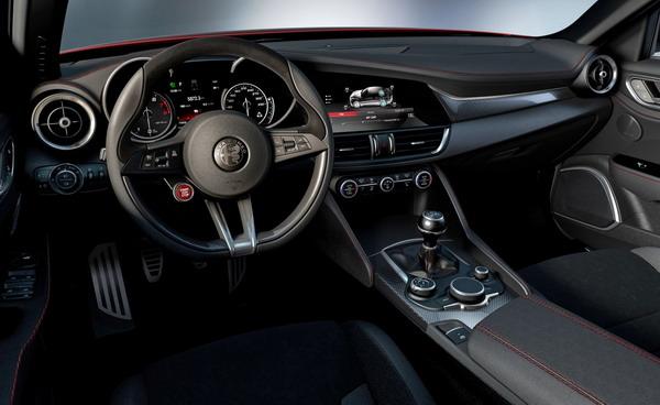 Alfa Romeo Giulia-4