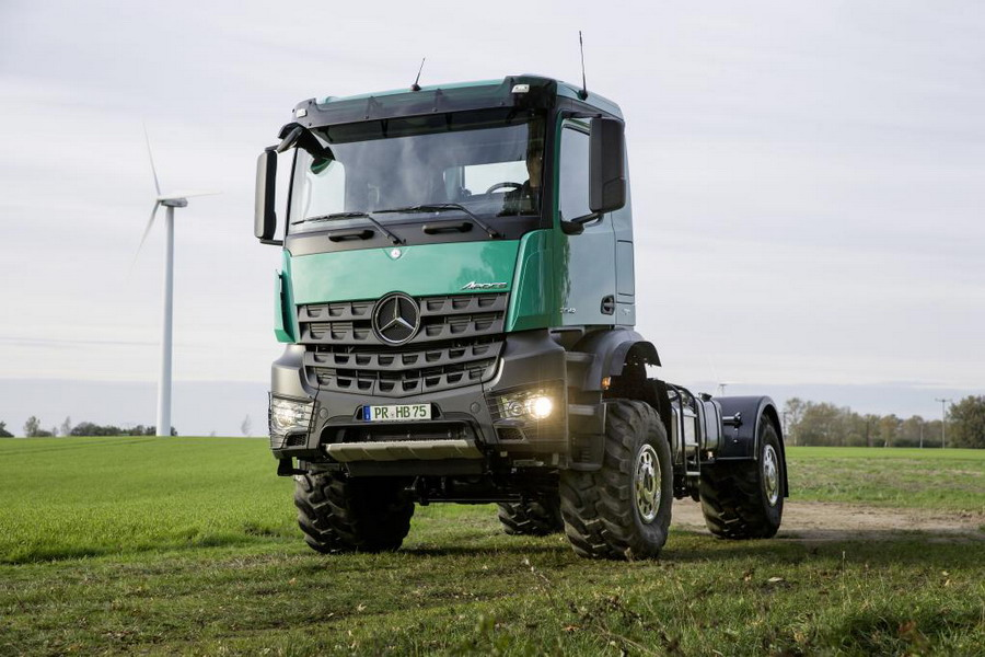 Mercedes Benz Displays Latest Versions of Unimog and Arocs at Agritechnica