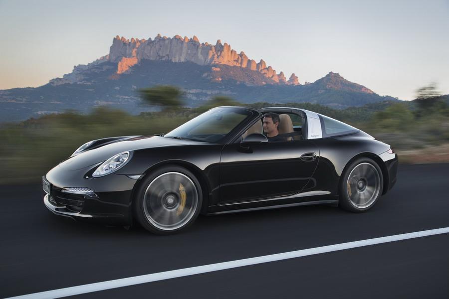 Porsche Showcases Latest 2014 911 Models at 2014 North American International Auto Show