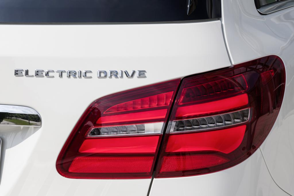 Mercedes Benz Ready to Take Orders for B-Class Electric Drive