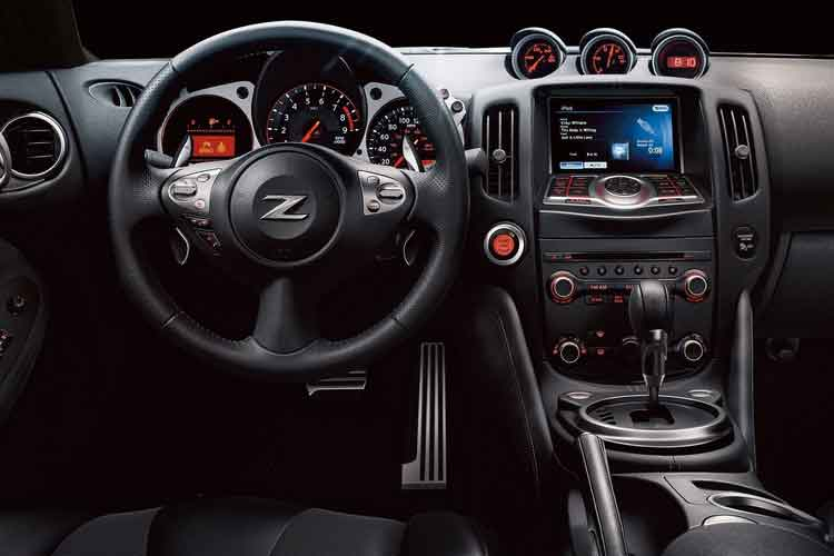 New Nissan 370Z Coupe Interior