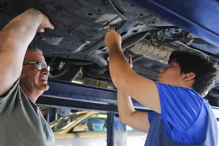 Auto Technician vs Auto Mechanic